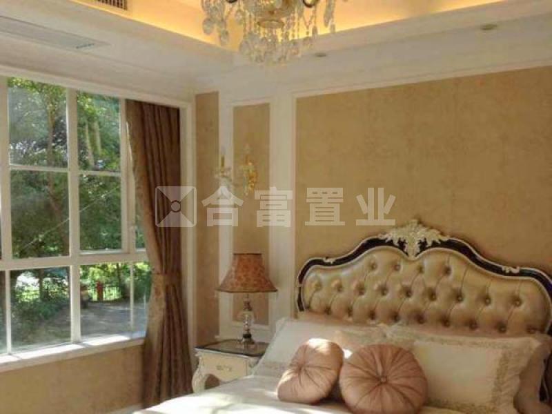 元 * 年 区域:南海 > 丹灶 类型:别墅 物业名称:祈福南湾半岛 装修